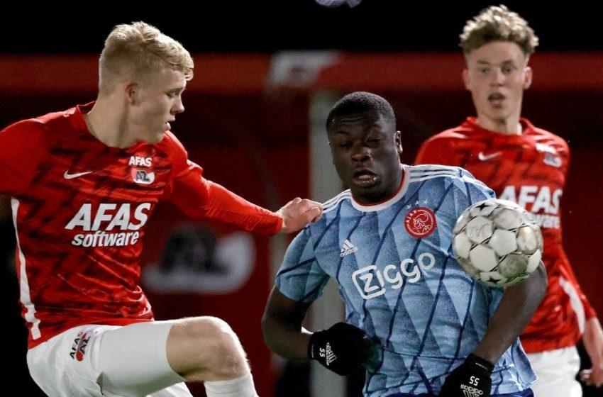 Jong Ajax verliest ondanks goal van Naci Ünüvar in Zaanstad van Jong AZ