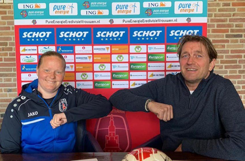Corina Dekker ook komend seizoen hoofdtrainer vv Alkmaar