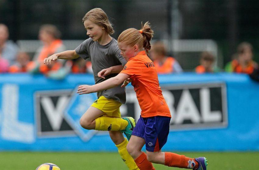 KNVB bied alternatief met schoolvoetbal in de klas