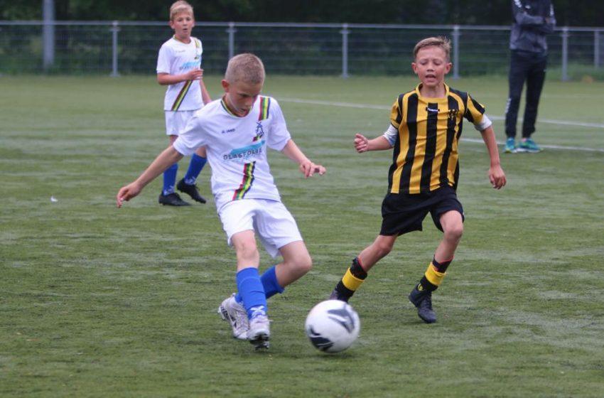 Voetbalvreugde tijdens Regiocup: Eindelijk weer wedstrijden voor jonge voetballers