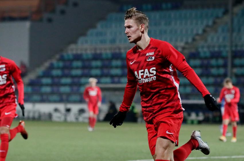 Jong AZ opent in eigen huis tegen Almere City FC van Gertjan Verbeek